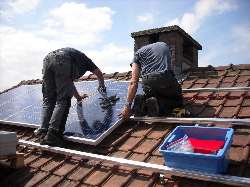 LEISTUNGEN: Solaranlage für Privatkunden
